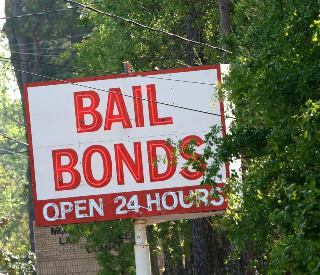 bail bonds sign